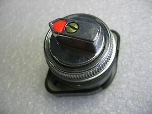 Cutler-Hammer Westinghouse OT2V2 Oil-Tite 3-Position Selector Switch Operator