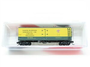 N Scale InterMountain 67716-04 NWX North Western Line Wood Reefer #5284