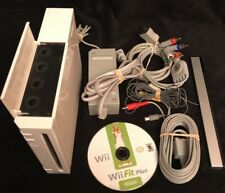 Nintendo Wii - White - Gamecube Compatible w/ AFTERGLOW Controller & NunChuck