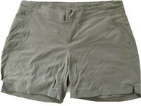 Women's Columbia Omni-Shield Olive Green Hiking Shorts Size M Waist 34""
