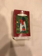 Hallmark Keepsake Ornament Collectible 2001 Penguin Mother and Baby Safe & Snug