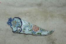 corne d'abondance murale en faience de nevers