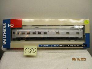 C25 Walthers HO 932-6351 85' Budd 10-6 Sleeper Southern