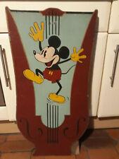 art forain pupitre en bois peint représentant Mickey