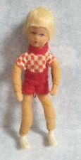 Erna Meyer Puppe Biegepuppe Kind mit roter Filz-Hose 8 cm groß