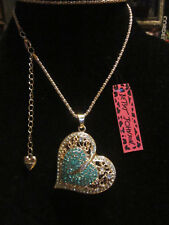 "BETSEY JOHNSON RHINESTONE CRYSTAL BEADS DOUBLE TEAL HEART NECKLACE 26"" CHAIN"
