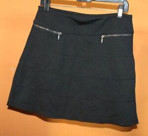 Athleta Womens Strata Skirt Sz MP  Black Pull On POCKETS