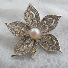 in 5 petal design Sparkling Vintage crystal rhinestone brooch