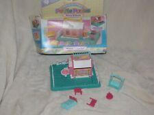 Vintage G1 My Little Pony Petite Playset Whinny Winks Inn