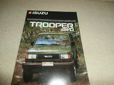 1986 Isuzu Trooper SALES BROCHURE Soft Top, Hard Top 5 PORTE STATION WAGON. un-CIRCOLATO