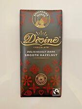 Divine Fairtrade foncé Lisse Noisette Chocolat 90 G x15