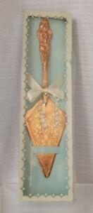 TREASURE MASTERS Vintage CAKE KNIFE SERVER Goldtone Serrated Wedding Anniversary