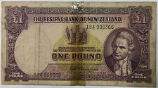 184 998366 Reserve Bank of New Zealand one pound  banknote  very nice ! !