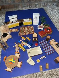 Vtg 1970s TOMY Dollhouse Furniture & Accessories (Rare) Lot w/ Figures JAPAN