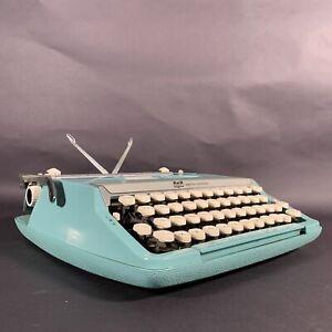 Vintage Smith Corona Corsair Deluxe Portable Typewriter in Case Aqua Blue