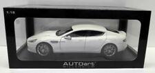 Véhicules miniatures blancs AUTOart pour Aston Martin