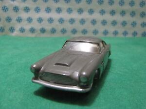 Vintage  -  ASTON MARTIN DB4  interior crema   - 1/43 Solido n°111  serie 100