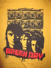 2009 GREEN DAY Concert Tour (MED) T-Shirt BILLY JOE ARMSTRONG