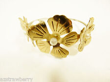 Pretty gold tone metam white pearl faux flower bangle bracelet