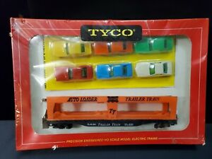 VINTAGE NIB TYCO  LARGE AUTO LOADER WITH 6 CARS RED BOX T349A