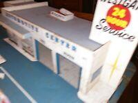 WESTGATE AUTOMOTIVE CENTER Tin Toy Service STATION 27×15 Nice Graphics C inside!