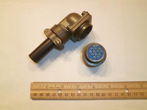 NEW - MS3108A 20-27P (SR) with Bushing - 14 Pin Plug