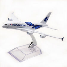 16cm Passenger Plane Diecast Airplane Model Malaysia airlines 747-400 Airbus Toy