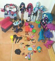 Large LOT of 4 Monster High Dolls,  2 Cafes and Accessories