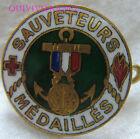 BG7401 - INSIGNE badge SAUVETEURS MEDAILLÉS