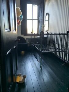Victorian Cot / Victorian Day Bed Daybed