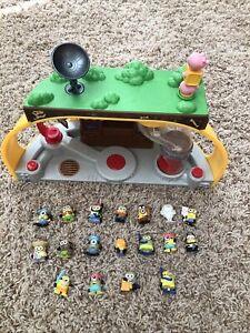 Despicable Me Minions Mineez Dru's Super Lair Playset + 18 figures Makes Sounds!