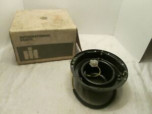 GENUINE CASE NEW HOLLAND IH LIGHT SHROUD
