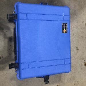 PELICAN CASE 1610 blue with padded dividers