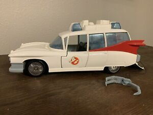Vintage 1984 Kenner Real Ghostbusters Ecto-1 Ambulance Car with Claw