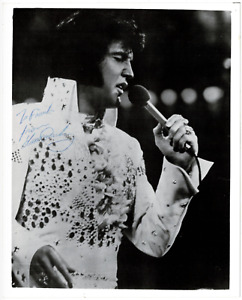Elvis Presley signed autographed 8x10 photo! AMCo! Roger Epperson! 14845