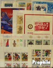 DDR 30 verschillende Blokken en Velletje postfris