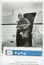 LYNETTE BERNAY FLIGHT NURSE SKYDIVER FLIGHT TV SHOW ORIGINAL 1954 TV PRESS PHOTO