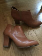 Ladies Clarks Tan Ankle Boots Size 7 Pull On Style