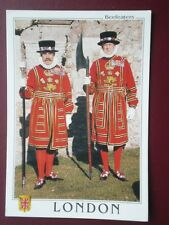 POSTCARD LONDON BEEFEATERS AT THE TOWER OF LONDON