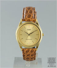 VINTAGE CASIO ANALOGUE WATCH, LEATHER STRAP