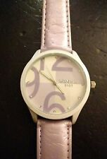 Vintage WoMaGe 9101 ladies watch, running with new battery NR