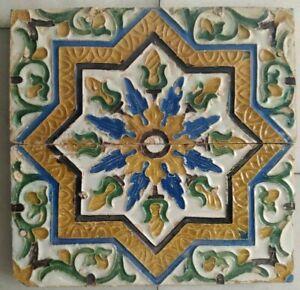 Siglo XIX Dos Azulejos Estrella de Cuenca o Arista realizados en Triana Sevilla