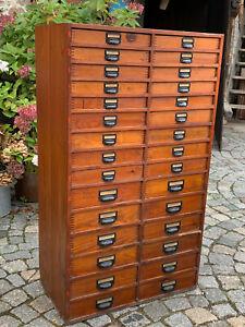 1/10/921  Apothekerschrank Schubladenschrank Werkstattschrank Büroschrank alt !!