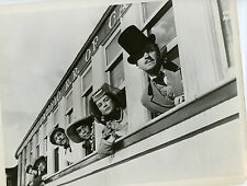 Cantinflas Shirley MacLaine David Niven 8x10 photo T9163