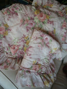 2 Vintage Cottage Pillow Shams ~ Shabby Chic Roses~Vintage Antique Style ~ Sears