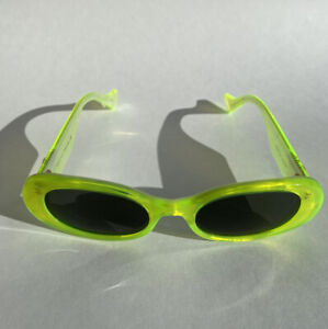 NWT Authentic Gucci 0517S Neon Yellow Green Sunglasses With Case, Cloth And Bag