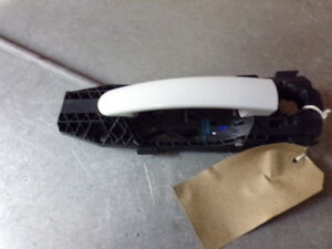 23977 L3H 2014-2017 6R VW POLO OSR DRIVERS SIDE REAR OUTER DOOR HANDLE IN WHITE