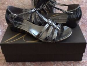 New Enzo Angiolini Eanyler Pewter Open Toe straps wedge flats Size 7M Retail $80
