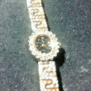 Ladies watch gold colour with diamontes
