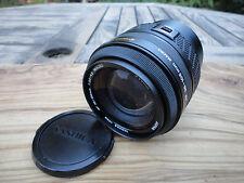 Yashica AF Zoom 35-105mm F3.5-4.5 Lente Con Macro Contax MOUNT Clean eccellente